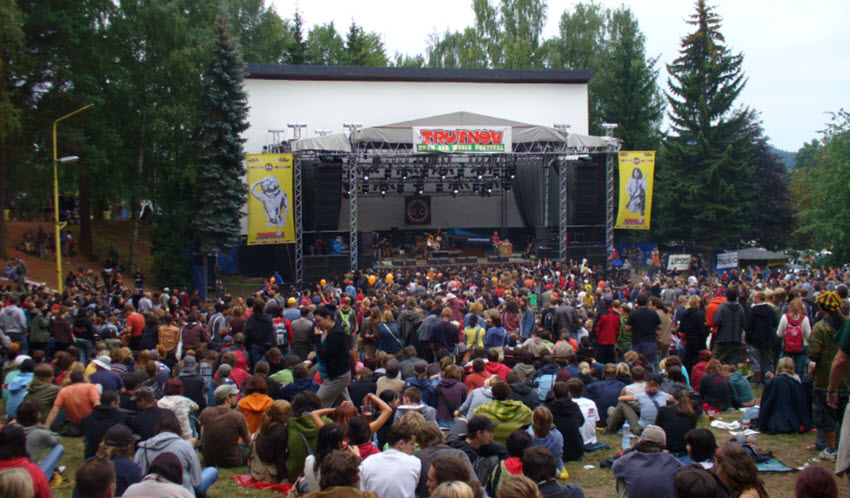 Open_Air_Festival_stage
